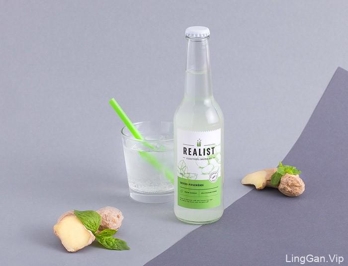 小清新版的Realist饮料瓶贴设计作品