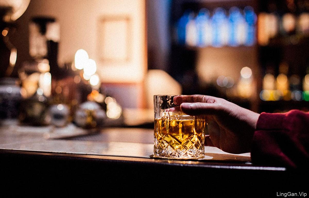 优雅精致!13款鸡尾酒酒吧VI设计