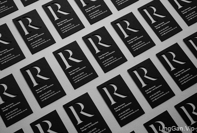国外设计师Ryan Romanes镂空创意个人名片设计作品