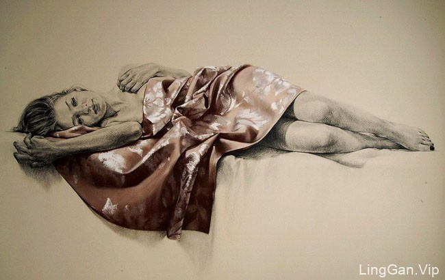 13张漂亮的美女人体艺术铅笔插画