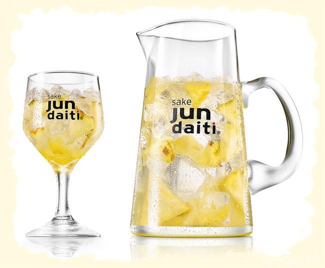 国外Jun Daiti Sake酒唯美修图设计